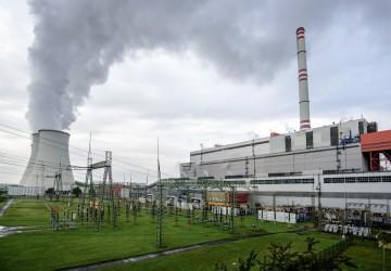 Pokud je řeč o klasické energetice, nelze nezmínit Elektrárnu Prunéřov II, jejíž kompletní obnova byla pro Siemens největším projektem posledních let. Elektrárna má díky obnově vyšší účinnost, výkon obnovených bloků se navýšil z původních 3x 200 MW na 3x 250 MW. Společnost Siemens v rámci projektu zajišťovala formou zakázky na klíč projekt, dodávku, instalaci a oživení kompletní elektročásti, tedy vyvedení výkonu a vlastní spotřeby elektrárny, řídicího systému elektrárny a polní instrumentace. Komplexní obnova byla zahájena v září 2012, přičemž přípravné a projekční práce probíhaly v Prunéřově