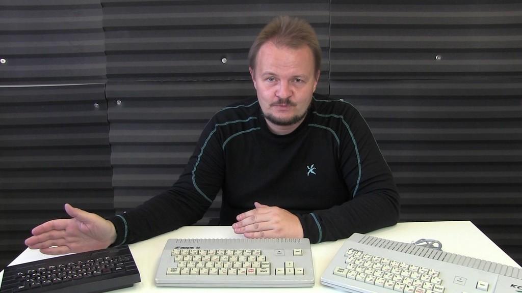 Michal Rybka (1973) vystudoval bakalářské studium výpočetní technologie na vysoké škole ekonomické v Praze a magisterské studium psychologie na Filozofické fakultě univerzity karlovy. Pracoval ve společnosti na vývoj videoher, píše recenze videoher pro časopis Level a další média, přednáší o roli videoher ve společnosti. Nyní je kurátorem počítačového Alza muzea ve společnosti Alza.cz.