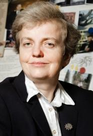 Ing. Dana Drábová, Ph.D., dr. h. c. je česká jaderná fyzička a předsedkyně Státního úřadu pro jadernou bezpečnost. Vystudovala Fakultu jadernou a fyzikálně inženýrskou ČVUT, obor dozimetrie a aplikace ionizujícího záření. Titul Ph.D. získala v oboru jaderná fyzika. Od 1. listopadu 1999 je předsedkyní Státního úřadu pro jadernou bezpečnost. Od listopadu 2006 do listopadu 2009 předsedala asociaci západoevropských jaderných dozorů (WENRA). Významně se věnuje i propagaci vědy, která ji v r. 2013 přinesla čestný doktorát.
