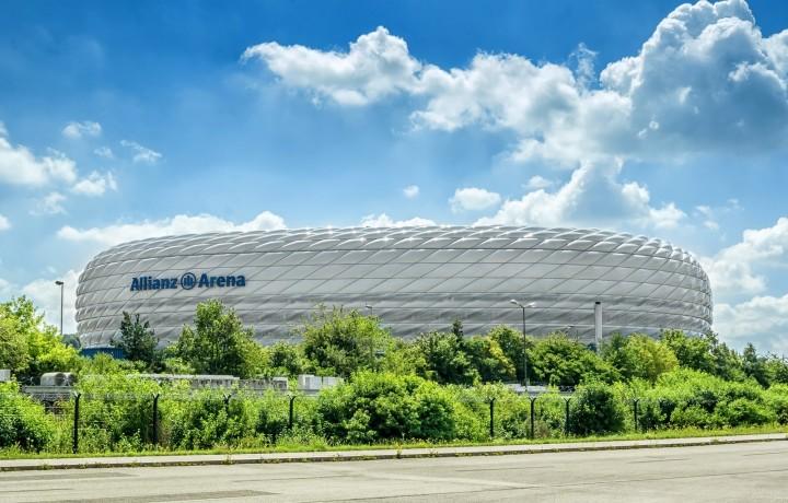 V porovnání s pražskou O2 arenou je kapacita Allianz Areny více než čtyřnásobná.