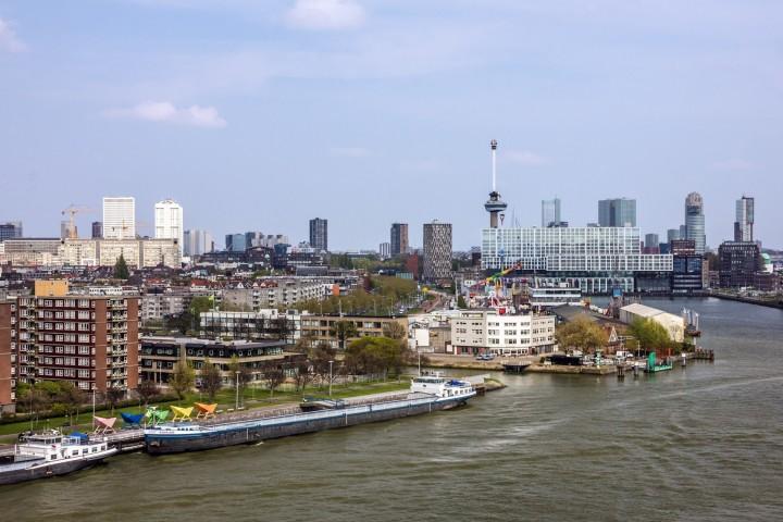 Část nizozemského přístavního města Rotterdamu bude pokusně propojena do inteligentní rozvodné sítě, aby vyzkoušela budoucnost energetiky.