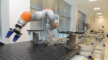 Robotický institut bojuje o své místo